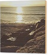 Sunrise By The Rocks Wood Print