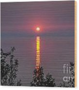 Sunrise On Middle Island Wood Print