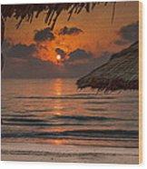 Sunrise On The Beach Wood Print
