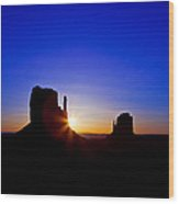 Sunrise Over Monument Valley Wood Print