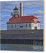 Superior And Duluth Harbor Lighthouse Wood Print