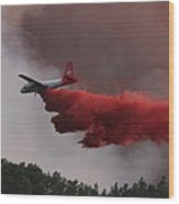 Tanker 07 Drops On The Myrtle Fire Wood Print