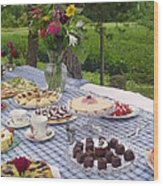 Teatime In The Garden Wood Print