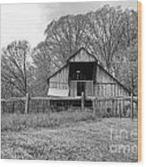 Tennessee Barn Bw Wood Print by Chuck Kuhn