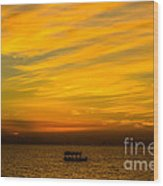 The Golden Sky That Mesmerize  Wood Print