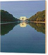 The Lincoln Memorial At Sunrise Wood Print