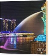 The Merlion Fountain And Marina Bay Sands - Singapore Wood Print