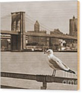 The Seagull Of The Brooklyn Bridge Vintage Look Wood Print