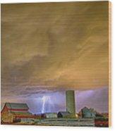 Thunderstorm Hunkering Down On The Farm Wood Print