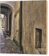 Tight Alley With Arch Wood Print