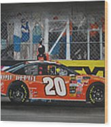 Tony Stewart Climbs For The Checkered Flag Wood Print