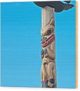 Top Of Totem Pole Near Pedestrian Walkway Along Yukon River In Whitehorse-yk  Wood Print