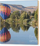 Touchdown On The Yakima River Wood Print