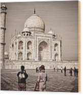Touring The Taj Wood Print