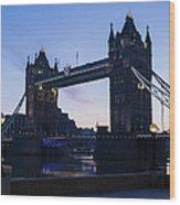 Tower Of London At Dawn Wood Print