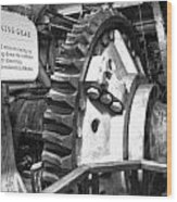 Turning Gear Engine Room Queen Mary Bw Wood Print