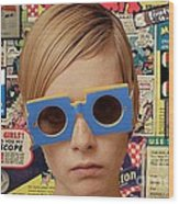 Twiggy Pop  Wood Print by Chandler  Douglas