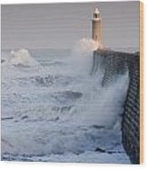 Tynemouth North Pier With Waves Wood Print