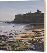 Tynemouth Priory And Castle Across King Edwards Bay Wood Print