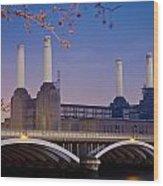 Uk, England, View Of Battersea Power Wood Print