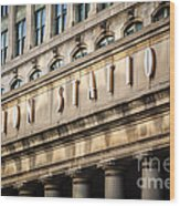 Union Station Chicago Sign And Building Wood Print