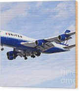 United Airlines Boeing 747 Airplane Flying Wood Print