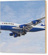 United Airlines Boeing 747 Airplane Landing Wood Print