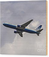 United Airlines Boeing 767 Wood Print