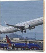 United Boeing 737-924 N75436 Continental Retro Taking Off Phoenix Sky Harbor March 6 2015 Wood Print