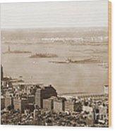 Upper New York Bay Vintage Wood Print