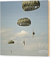 U.s. Soldiers Descend Through The Sky Wood Print