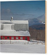 Vermont Barn In Snow With Mountain Behind Wood Print