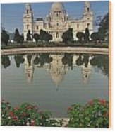 Victoria Memorial Kolkata India - Reflection On Water Wood Print