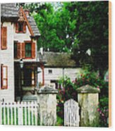 Victorian Home With Open Gate Wood Print