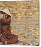 Vietnamese Boatman 01 Wood Print