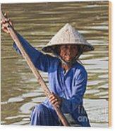 Vietnamese Boatwoman 02 Wood Print