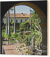 View Of Santa Barbara Mission Courtyard Wood Print