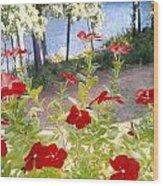Vinca Lakeview Wood Print