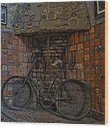 Vintage Bicycle Wood Print by Susan Candelario
