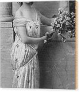 Vintage Lady I  Bw Limited Sizes Wood Print