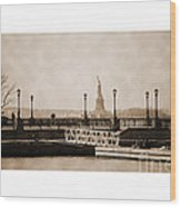 Vintage Statue Of Liberty View Wood Print