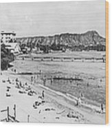 Waikiki Beach And Diamond Head Wood Print