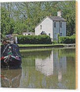 White House And House Boat Wood Print