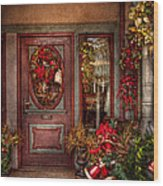 Winter - Store - Metuchen Nj - Dressed For The Holidays Wood Print by Mike Savad