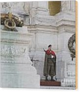 Wreath And Guard At The Tomb Of The Unknown Soldier Wood Print