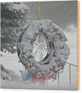 Wreath In A Snow Storm Wood Print