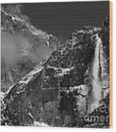 Yosemite Falls In Black And White Wood Print by Bill Gallagher