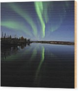 Aurora Borealis Over Long Lake Wood Print