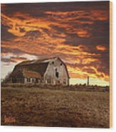 Barn On Highway 21 Wood Print