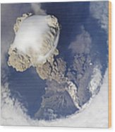 Eruption Of Sarychev Volcano Wood Print